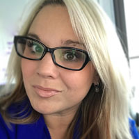 Social Media Strategies Summit, NYC Speaker: Carissa Lapuranew